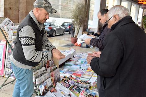 لحل مشكل المقروئية.. وزير الاتصال يعد فيدرالية الناشرين بمزيد من الدعم