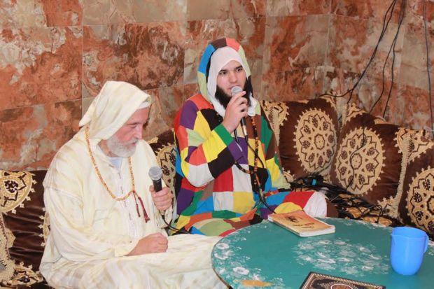 كان اسمه باسكال.. الطريقة الكركرية تحتفل باعتناق فرنسي الإسلام (صور)