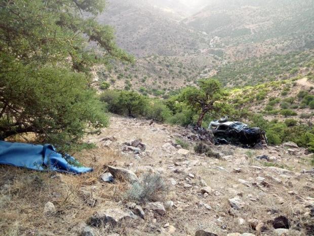 بالصور من ضواحي سيدي إفني.. مقتل 3 أشخاص في انزلاق سيارة من أعلى قمة جبلية