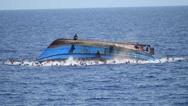 وفاة اثنين وإصابة واحد.. انقلاب مركب كان يقل 11 مهاجرا سريا في طنجة