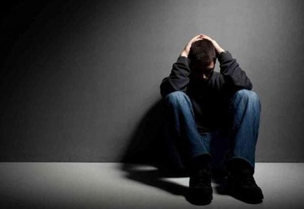 بالفيديو.. وسائل التواصل الاجتماعي تسبب الانفصام وتؤدي إلى العنف!