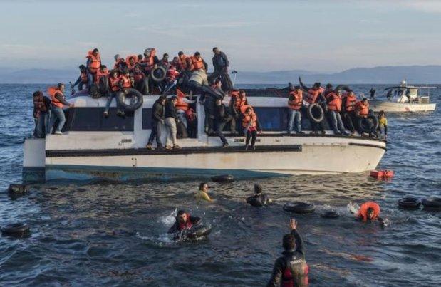 إصابة حراك عمره 16 عاما.. إطلاق رصاصات تحذيرية على قارب للهجرة السرية