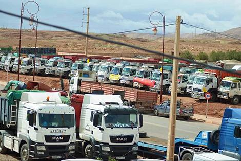 الوزارة دارت ليهم الخاطر واستجابت لمطالبهم.. أرباب وسائقو الشاحنات يعلقون إضرابهم