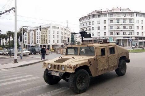 بالصور من المحمدية.. دبابات وأسلحة ثقيلة في أحياء شعبية!