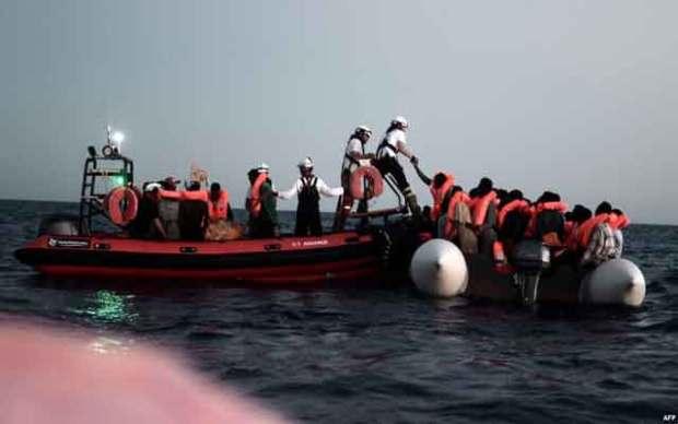 سواحل بوجدور.. اعتقال 24 مهاجرا سريا مغربيا