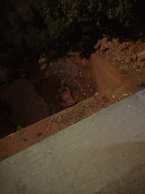 بالصور من ضواحي تنغير.. مصرع سيدة سقطت من أعلى قنطرة