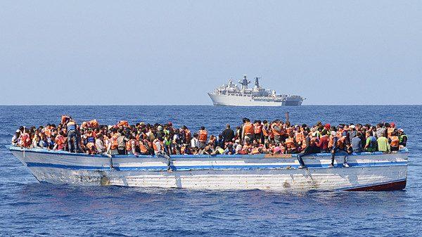 الداخلة.. قارب سري يحمل 27 مهاجرا مغربيا