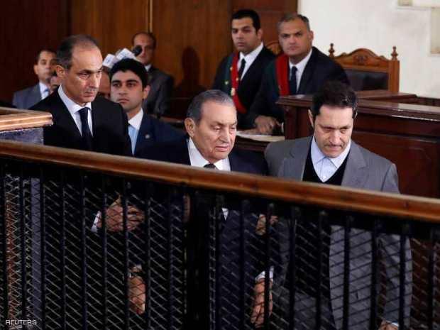 بالفيديو من مصر.. أول مواجهة مباشرة بين مرسي ومبارك