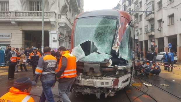 اصطدام شاحنة بالترامواي في كازا.. إصابة السائق و6 ركاب