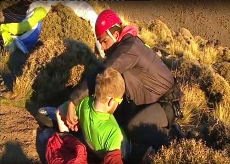 مظلته تعرضت لعطب وسقط في جبل.. وفاة سائح ألماني في الحوز (فيديو)