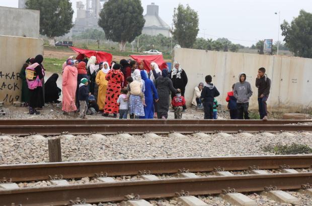 """بالصور من عين عتيق.. مواطنون يطالبون بقنطرة تحميهم من """"البراق""""!"""