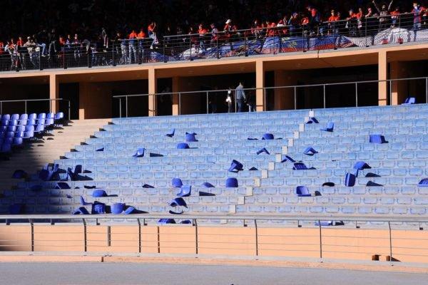 غرامات ومباريات بدون جمهور.. عقوبات قاسية من الجامعة