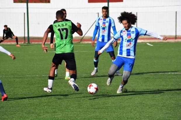 لسد الثغرات في تشكيلة الفريق.. شباب الريف الحسيمي يتعاقد مع ثلاثة لاعبين