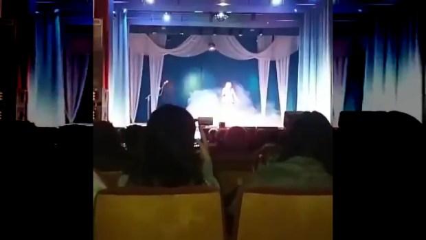 بالفيديو.. مطربة روسية تفارق الحياة على خشبة المسرح