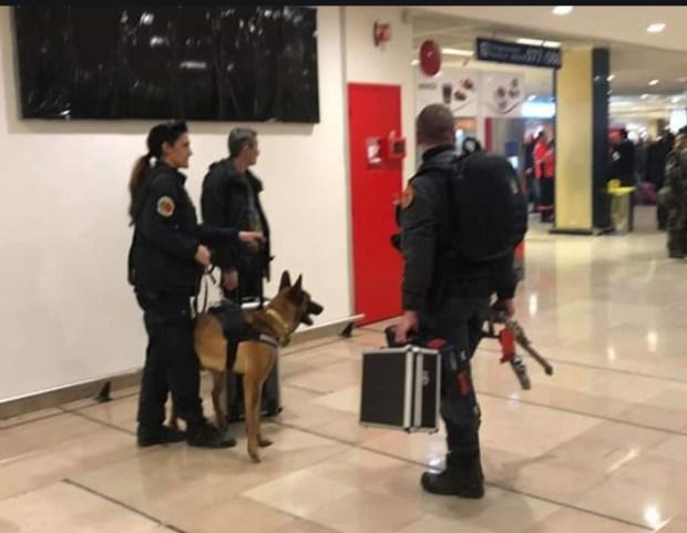 مطار أورلي/ باريس.. حالة استنفار أمني بسبب حذاء سيدة كانت تنوي السفر إلى كازا!!