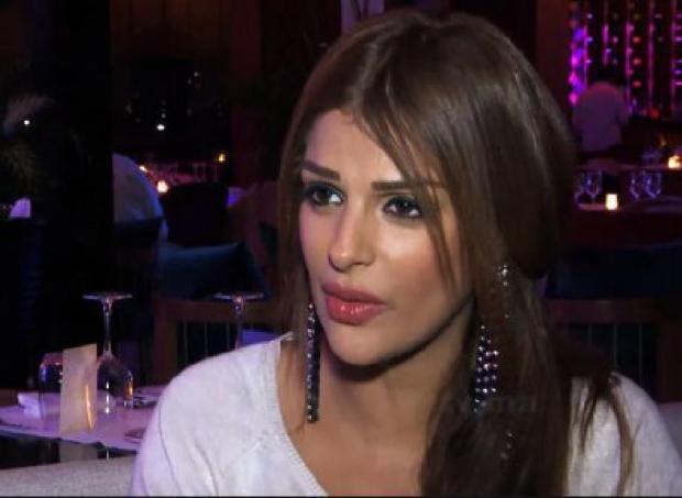 """عطاتو.. الراقصة مايا تصف شخصا تحرش بها وبابنتها ب""""الحيوان والحشرة والبيدوفيل"""" (فيديو)"""