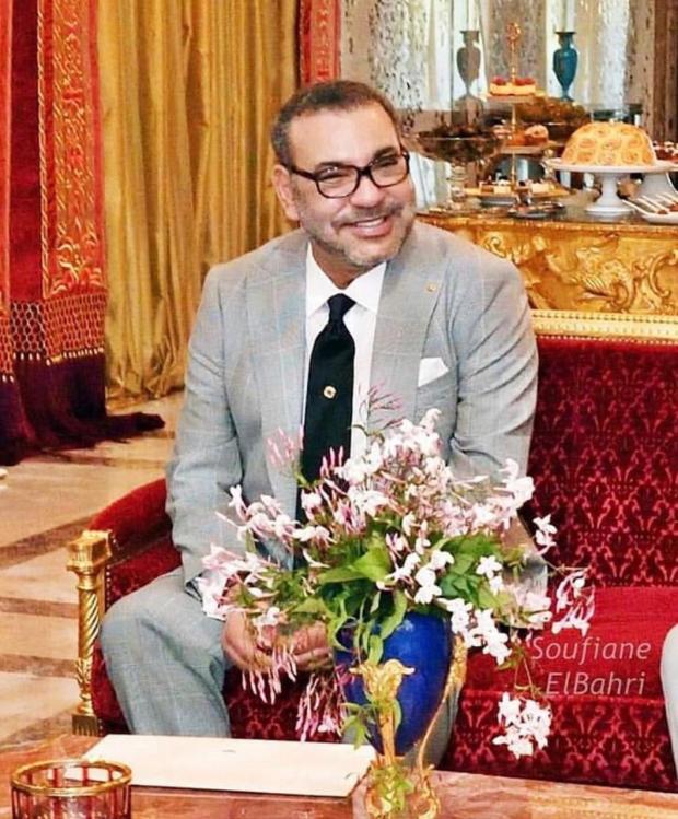 بالصور.. ابتسامة الملك محمد السادس تثير الإعجاب