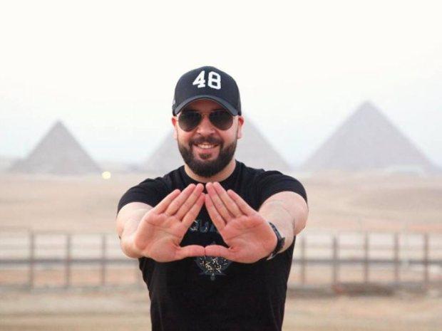 شي واحد باغي فيه الخدمة.. قرصنة حساب الدوزي على إنستغرام ومحاولة اختراق صفحته على الفايس بوك