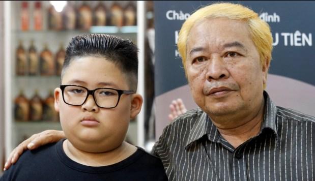 بالصور.. مصفف شعر فيتنامي يعرض تسريحة ترامب وكيم جونج مجانا!