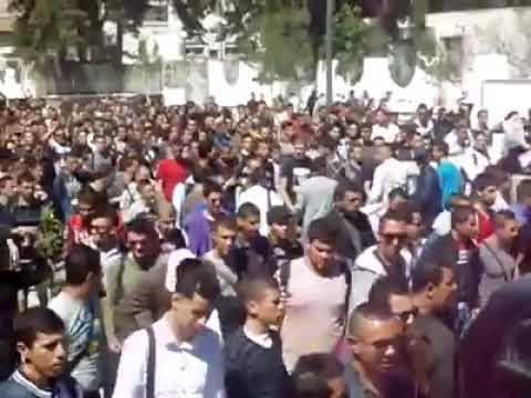 """متظاهرون رفعوا شعار """"لا للعهدة الخامسة"""".. ترشح بوتفليقة روّن الجزائر (فيديو)"""