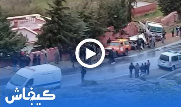 بالفيديو من ضواحي إيموزار.. 6 قتلى في حادث تصادم بين سيارة وشاحنة