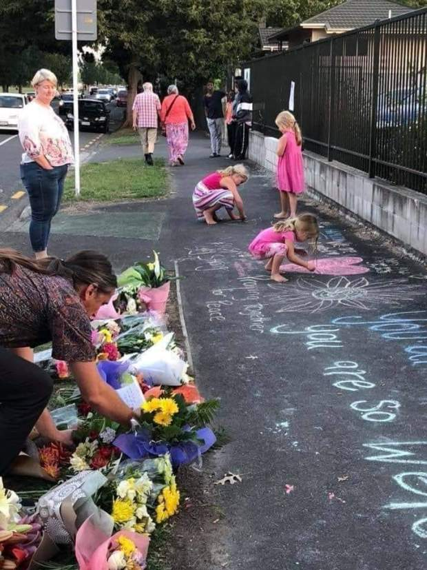 مجزرة مسجدي نيوزيلندا.. دعوات إلى المغاربة للخروج والتضامن مع الضحايا