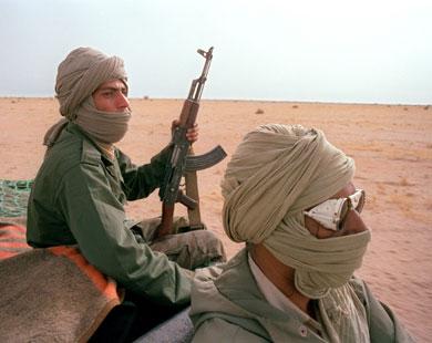 بغا يرجع لبلادو.. قائدمتمرد على جبهة البوليساريو يسلم نفسه إلى الجيش المغربي