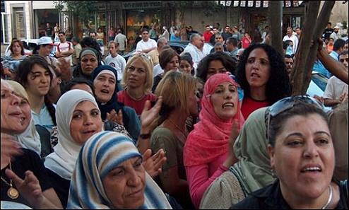 العنف/ البطالة/ الأمية.. أرقام صادمة عن المغربيات!
