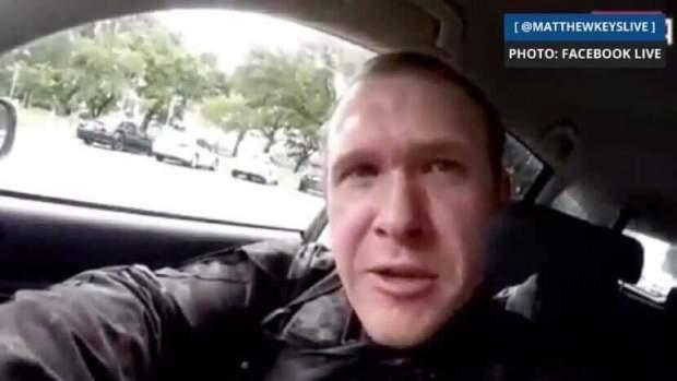 أسترالي الجنسية وبث فيديو مباشر لجريمته.. تفاصيل عن مرتكب مذبحة المسجدين في نيوزيلندا (صور)