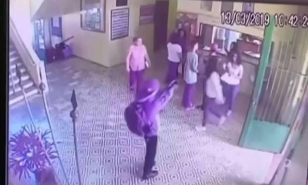 فيديو صادم.. مدمنان على ألعاب الفيديو العنيفة يقتلان زملاءهم في المدرسة بالرصاص والمطارق!!