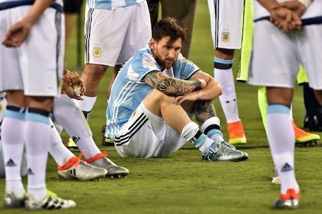 بداعي الإصابة.. نادي برشلونة يؤكد أن ميسي لن يشارك في ودية المغرب