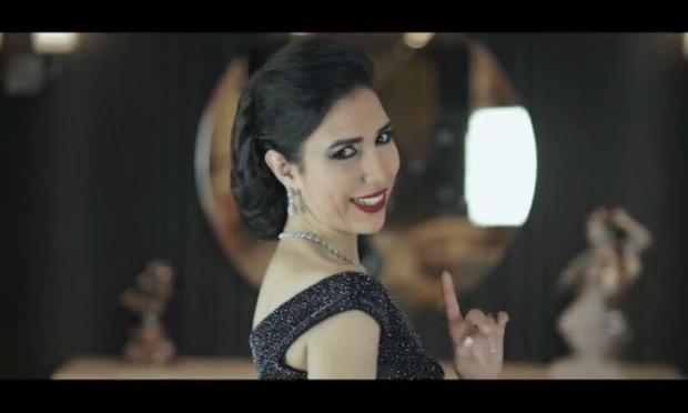 """بالفيديو والصور.. جوليا المغربية تغني """"للمرة المليون"""""""