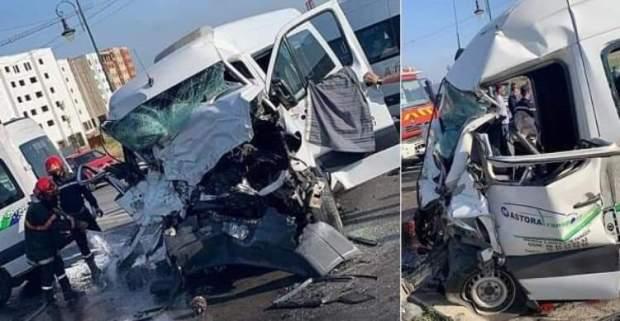 بالصور من طنجة.. مصرع 3 أشخاص وإصابة 14آخرين في اصطدام حافلتين لنقل العمال