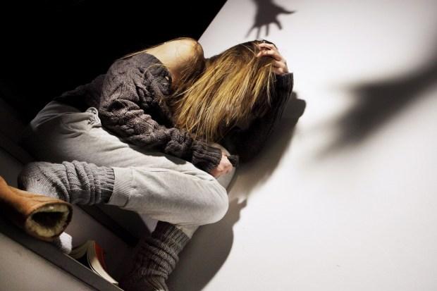 تعدا على مراتو وهي حاملة.. إعتقال مغربي في إيطاليا