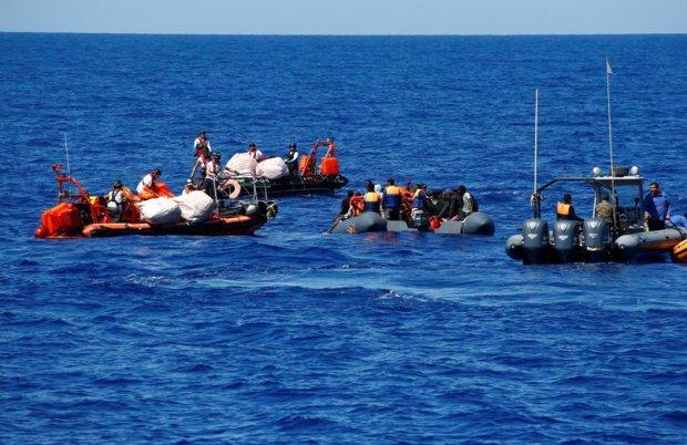 كانوا على متن قوارب مطاطية.. البحرية الملكية تقدم المساعدة لأزيد من 270 حراگا