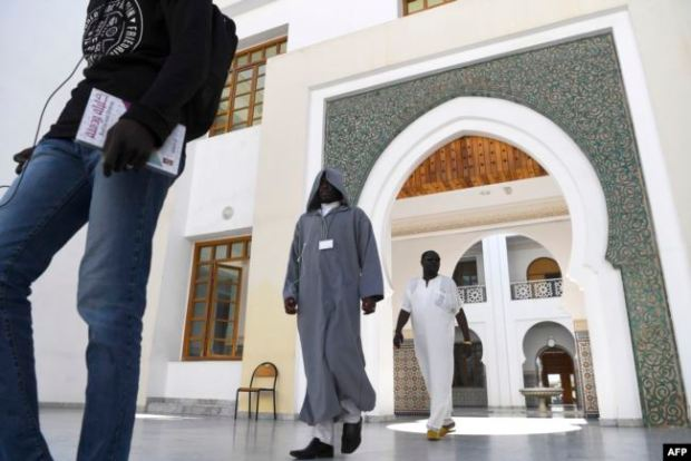 أزيد من 1390 إماما تخرجوا من معهد تكوين الأئمة والمرشدين.. المغرب يكون أئمة إفريقيا