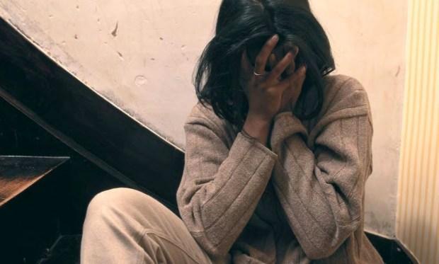 ممنوع يوصلها ولا يمشي فين كتكون.. السلطات الإيطالية تعاقب مهاجرا مغربيا اعتدى على زوجته