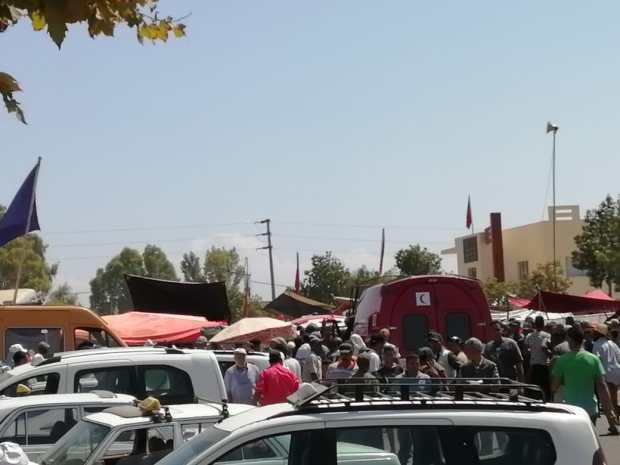 بالصور من الخميسات.. شاحنة تقتل امرأة وتدهس العشرات من المارة