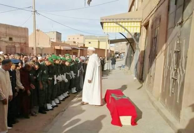 تعرض لكسر داخل ثكنة عسكرية.. تشيع جنازة مجند في تنغير (صور وفيديو)