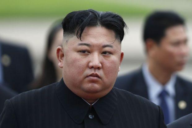 كوريا الشمالية.. السجن والأشغال الشاقة لأم أنقذت طفليها من حريق وتركت صور زعماء