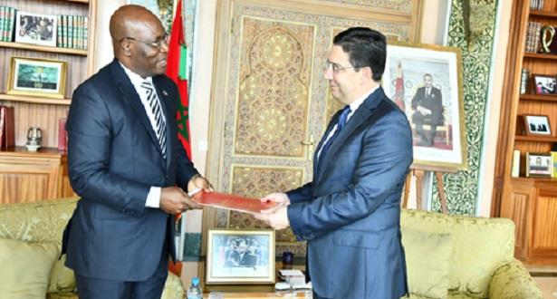 حاملًا رسالة إلى الملك.. بوريطة يستقبل وزير خارجية غينيا الإستوائية