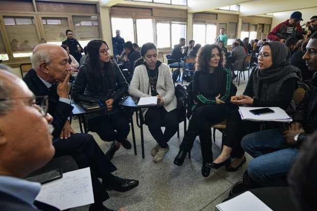بالصور من الجديدة.. أعضاء لجنة النموذج التنموي يستمعون إلى طلبة جامعة أبي شعيب الدكالي