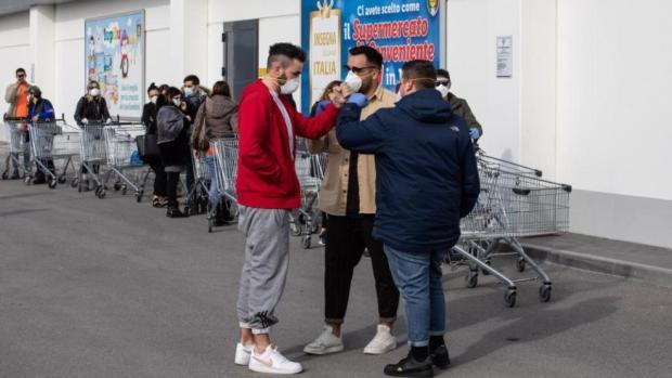 بغاو يلصقوها فالمغاربة.. مؤسسة تعليمية إيطالية تطرح استبيانا على طلبة حول مغاربة إيطاليا