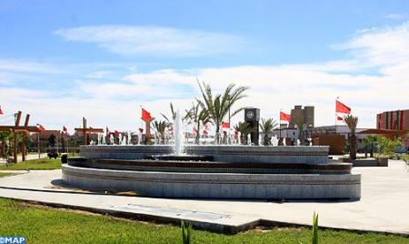 """""""عاصمة الصحراء المغربية التي تتطور بوتيرة مستمرة"""".. صحيفة إسبانية تتغزل بمدينة العيون"""