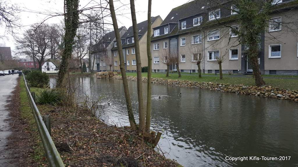 Von der Bladenhorster Straße zum Gräftenhof Ehling