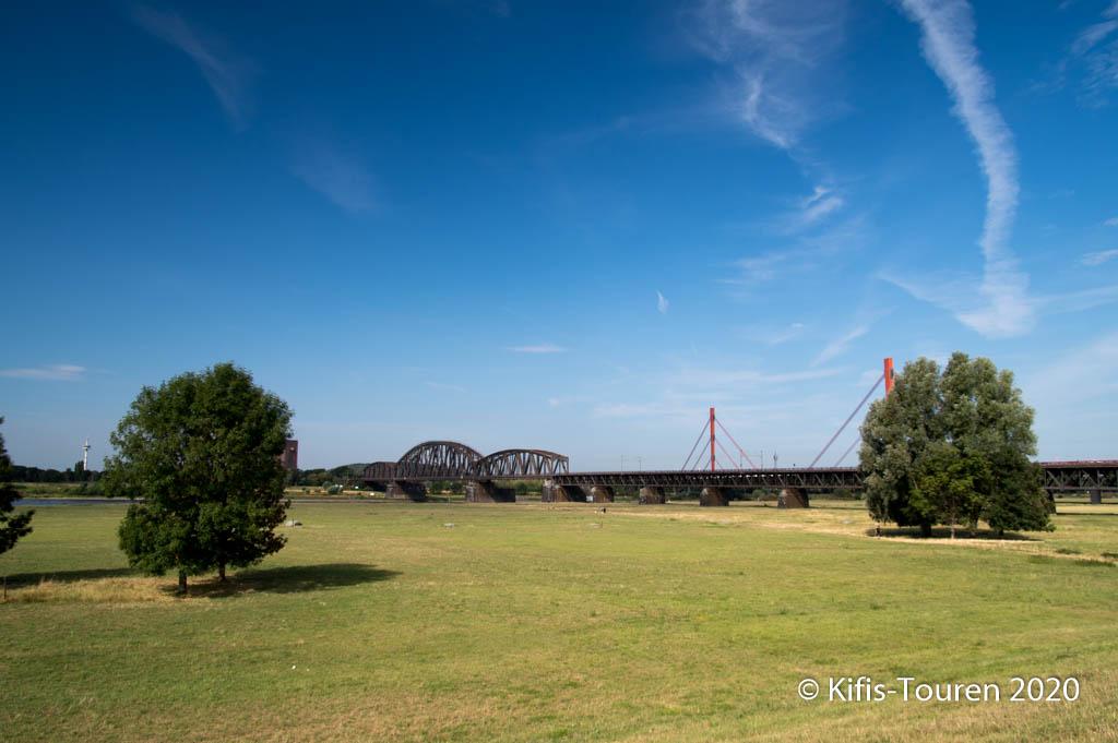Von Moers nach Walsum mit Rheinfähre