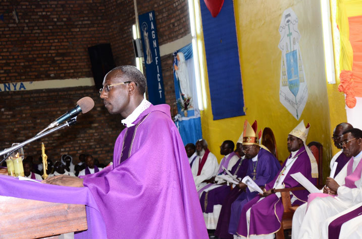 Padiri Rwakabayiza Dieudonne avuga iby'urupfu rwa mugenzi we Nambaje.