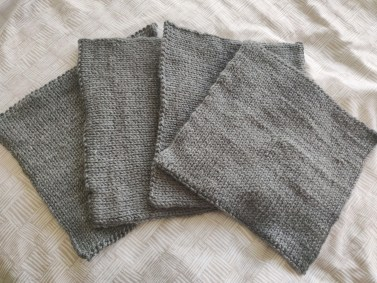 4 knitted blanket squares