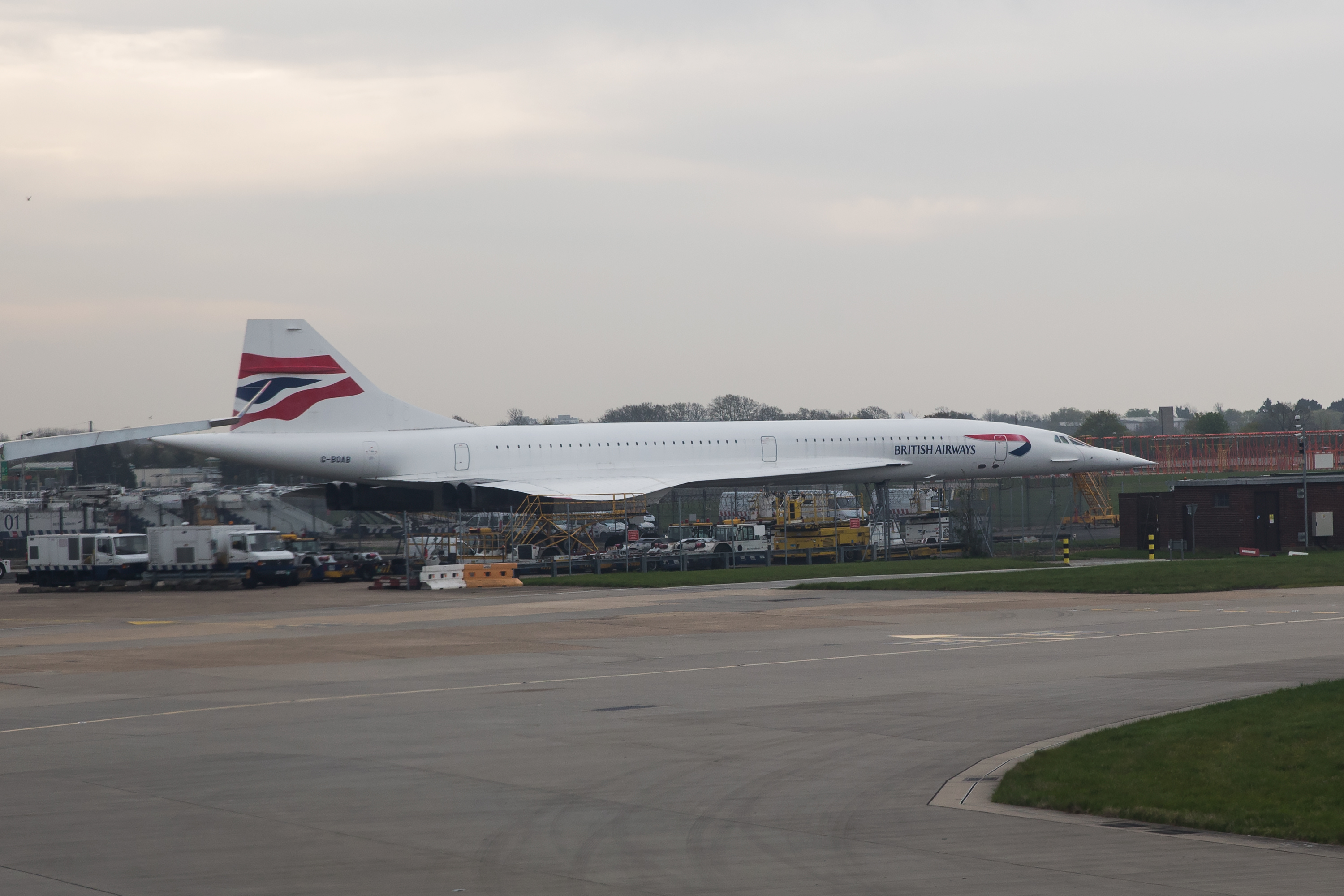 I bumped into G-BOAB also known as Alpha Bravo which is the last Concorde to remain at Heathrow