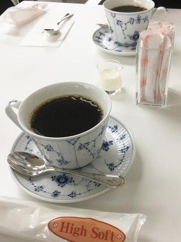 六花亭札幌店2階カフェコーヒー